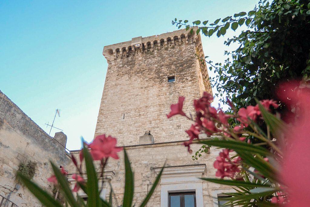la torre normanna di Rutigliano cortile castello